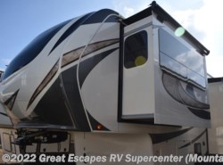 New 2018  Grand Design Solitude 374TH-R by Grand Design from Great Escapes RV Center in Gassville, AR