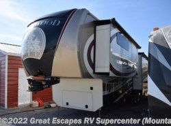 Used 2016  Redwood Residential Vehicles Redwood RW38RL