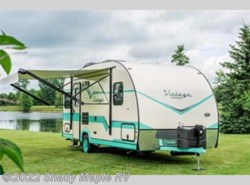 New 2018 Gulf Stream Vintage Cruiser 19ERD available in East Earl, Pennsylvania