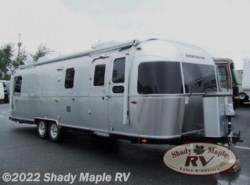 Used 2017  Airstream Classic 30 by Airstream from Shady Maple RV in East Earl, PA