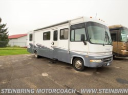 Used 2000  Triple E RV Commander 3302 by Triple E RV from Steinbring Motorcoach in Garfield, MN