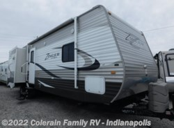 Used 2014  CrossRoads Zinger 33BH by CrossRoads from Colerain RV of Indy in Indianapolis, IN
