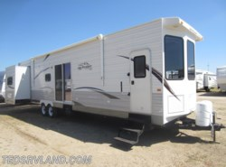 Used 2012  Jayco Jay Flight Bungalow 40 BHS by Jayco from Ted's RV Land in Paynesville, MN