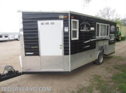 Used 2015  Ice Castle Lake of the Woods 8X16 by Ice Castle from Ted's RV Land in Paynesville, MN