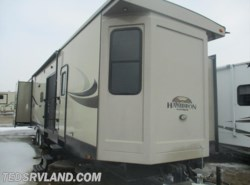 Used 2015  CrossRoads Hampton HT380QB by CrossRoads from Ted's RV Land in Paynesville, MN
