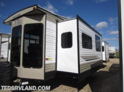 New 2019 Forest River Salem Villa 353FLFB available in Paynesville, Minnesota