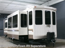 New 2017  Forest River Cedar Creek Cottage 40CCK by Forest River from TerryTown RV Superstore in Grand Rapids, MI