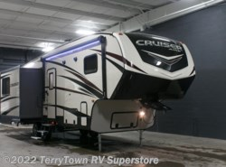 New 2017  CrossRoads Cruiser Aire 28RL by CrossRoads from TerryTown RV Superstore in Grand Rapids, MI