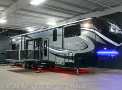 New 2017  Jayco Seismic 4212 by Jayco from TerryTown RV Superstore in Grand Rapids, MI