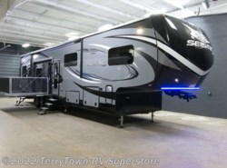 New 2017  Jayco Seismic 4113 by Jayco from TerryTown RV Superstore in Grand Rapids, MI