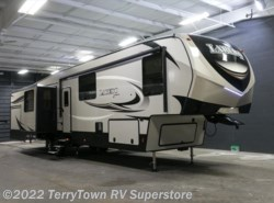New 2018  Keystone Laredo 380MB by Keystone from TerryTown RV Superstore in Grand Rapids, MI