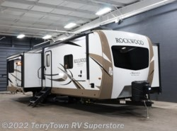 New 2018  Forest River Rockwood Signature Ultra Lite 8332BS by Forest River from TerryTown RV Superstore in Grand Rapids, MI