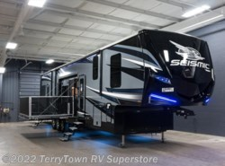 New 2018  Jayco Seismic 4213 by Jayco from TerryTown RV Superstore in Grand Rapids, MI