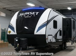 New 2018  CrossRoads Sunset Trail Super Lite 222RB by CrossRoads from TerryTown RV Superstore in Grand Rapids, MI