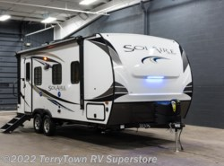 New 2018  Palomino Solaire Ultra Lite 205SS by Palomino from TerryTown RV Superstore in Grand Rapids, MI