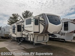 Used 2016  Keystone Montana 3711FL by Keystone from TerryTown RV Superstore in Grand Rapids, MI