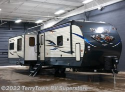 New 2018  Palomino Puma 31RLQS by Palomino from TerryTown RV Superstore in Grand Rapids, MI