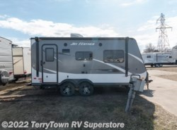 Used 2016  Jayco Jay Feather X19H by Jayco from TerryTown RV Superstore in Grand Rapids, MI