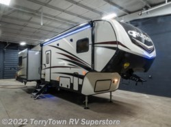 New 2018 CrossRoads Cruiser Aire 30MD available in Grand Rapids, Michigan