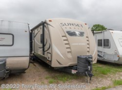 Used 2016  CrossRoads Sunset Trail Grand Reserve ST33RL by CrossRoads from TerryTown RV Superstore in Grand Rapids, MI