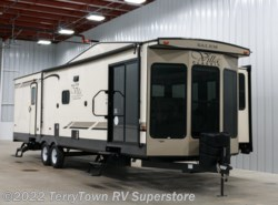 New 2019 Forest River Salem Villa Classic 353FLFB available in Grand Rapids, Michigan