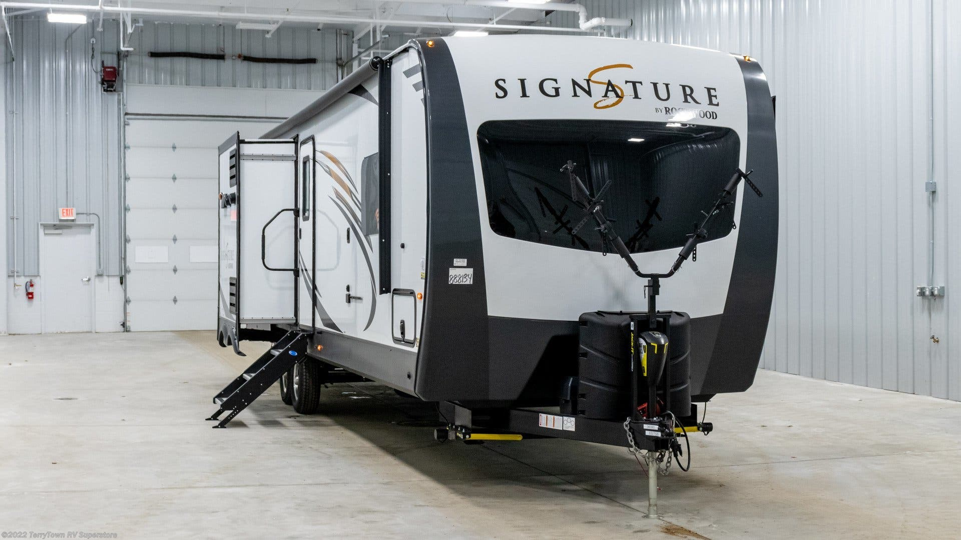 2019 Forest River RV Rockwood Signature Ultra Lite 8327SS