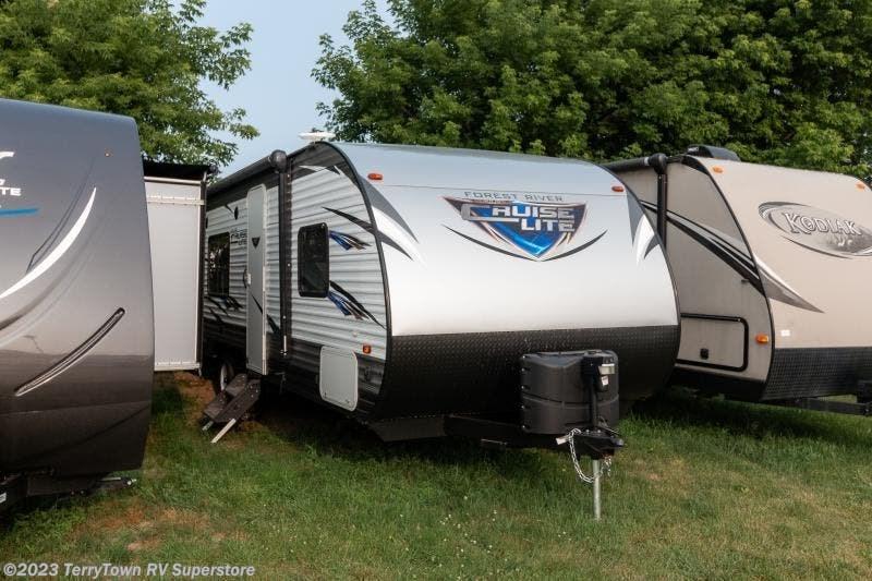 3918 Forest River RV Salem 241QBXL for Sale in Grand Rapids, MI 49548    37323