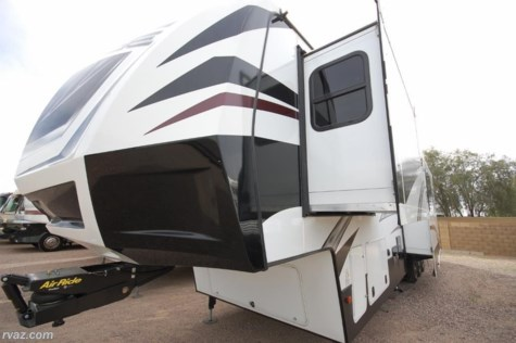 2016 Dutchmen Voltage 3970 5th Wheel Toy Hauler