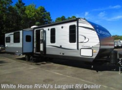 New 2018  Coachmen Catalina 333RETS Legacy Ed. Rear Entertainment Triple Slide by Coachmen from White Horse RV Center in Egg Harbor City, NJ