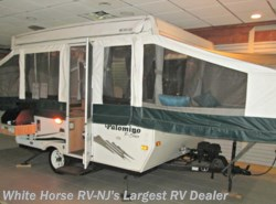 Used 2009  Palomino Pony 2100 Queen & Double Bed Ends, Furnace Heater by Palomino from White Horse RV Center in Egg Harbor City, NJ