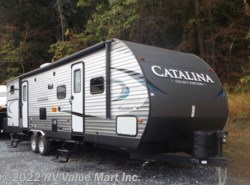 New 2018  Coachmen Catalina Legacy Edition 323BHDSCK by Coachmen from RV Value Mart Inc. in Lititz, PA