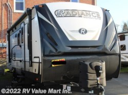 New 2018  Cruiser RV Radiance Ultra Lite R-28QD by Cruiser RV from RV Value Mart Inc. in Lititz, PA
