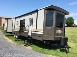 New 2017 CrossRoads Hampton 381QB available in Mifflintown, Pennsylvania
