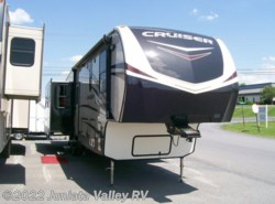 New 2017  CrossRoads Cruiser CR347MD by CrossRoads from Juniata Valley RV in Mifflintown, PA