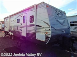 Used 2016  CrossRoads Zinger 31SB