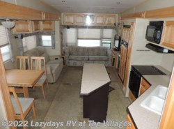 Used 2006  Carriage Cameo 35FD3 by Carriage from Alliance Coach in Wildwood, FL