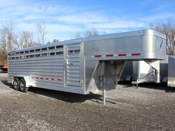 2021 Featherlite 8117-6724 available in Mount Vernon, IL