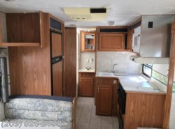 Used 2004  Komfort Trailblazer 23RK by Komfort from www.RVToscano.com in Los Banos, CA