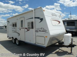 Used 2004  Jayco Jay Flight 21FB by Jayco from Town & Country RV in Clyde, OH