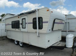 Used 1998  Hi-Lo TowLite 21TL by Hi-Lo from Town & Country RV in Clyde, OH