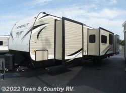 New 2018  Keystone Hideout 38FQTS by Keystone from Town & Country RV in Clyde, OH