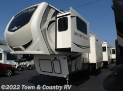 New 2018  Keystone Montana 3731FL by Keystone from Town & Country RV in Clyde, OH
