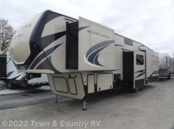 New 2018  Keystone Montana High Country 385BR by Keystone from Town & Country RV in Clyde, OH