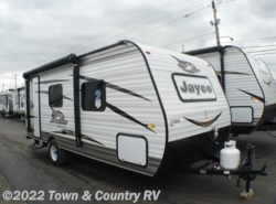 New 2018  Jayco Jay Flight SLX 195RB by Jayco from Town & Country RV in Clyde, OH