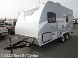 New 2017  Winnebago Micro Minnie 1706FB /FRONT QUEEN BED/ REAR BATH/Dry Weight 2980 by Winnebago from Best RV Center in Turlock, CA