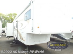 Used 2005  Nu-Wa  HITCH HIKER II 29.5LKGT by Nu-Wa from AC Nelsen RV World in Shakopee, MN
