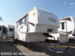 Used 2009 Keystone Mountaineer 325RLT available in Shakopee, Minnesota