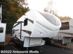 New 2017  Forest River Wildcat Maxx F272RLX by Forest River from U-Neek RV Center in Kelso, WA