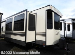 New 2017  Keystone Retreat 391LOFT by Keystone from U-Neek RV Center in Kelso, WA