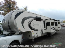New 2017  Palomino Columbus F386FK by Palomino from Campers Inn RV in Kings Mountain, NC